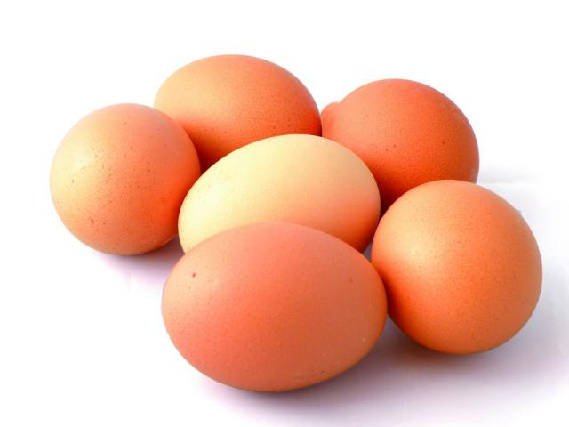 Foto Quante calorie contiene un uovo?