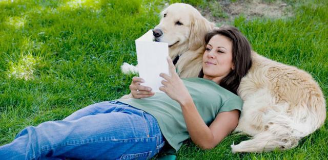 ragazza con il cane