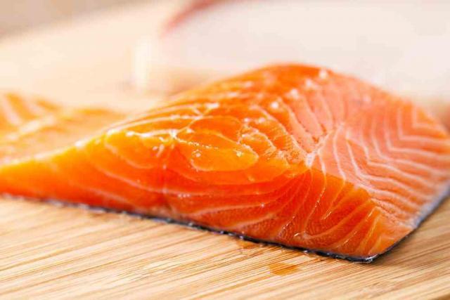 Foto Il Cane può mangiare salmone?