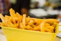 Foto I cani possono mangiare patatine fritte?