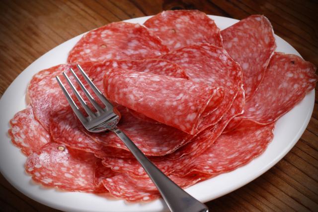 Foto I Cani possono mangiare salame?