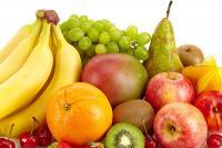 foto cane mangia frutta